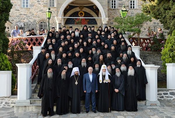 Владимир Путин посетил Русский на Афоне Пантелеимонов монастырь (28.05.16)