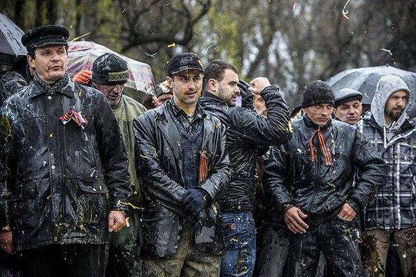 Русская Весна: «Снимок «300 запорожцев, не покорившихся фашистам», признан одним из лучших в мире» (09.02.15)