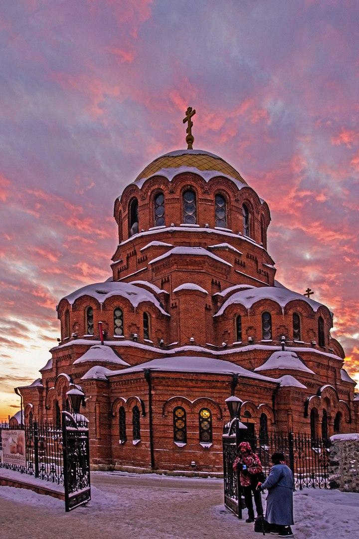 Новосибирск. Собор святого благоверного князя Александра Невского