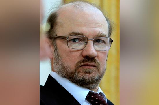 Александр Щипков: «Гламур нынче пронизывает политику и религию» (15.05.18)
