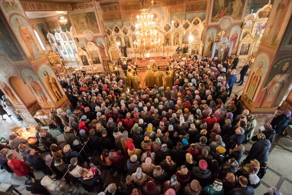 #РусскоеПолеФотоДня: «Более 8 тысяч верующих поклонились мощам святителя Луки» (04.10.18)