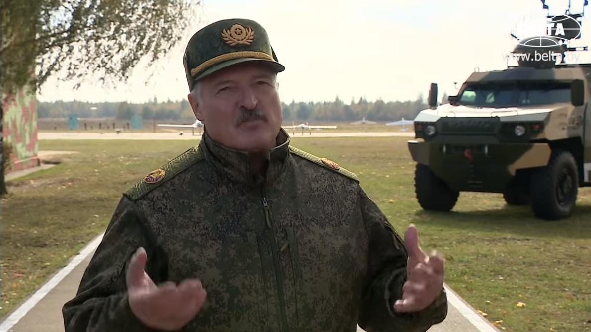 Президент Беларуси Александр Лукашенко: «У них скоро семей не будет: мужик на мужике женится или замуж выходит. Детей некому рожать» (05.10.18)