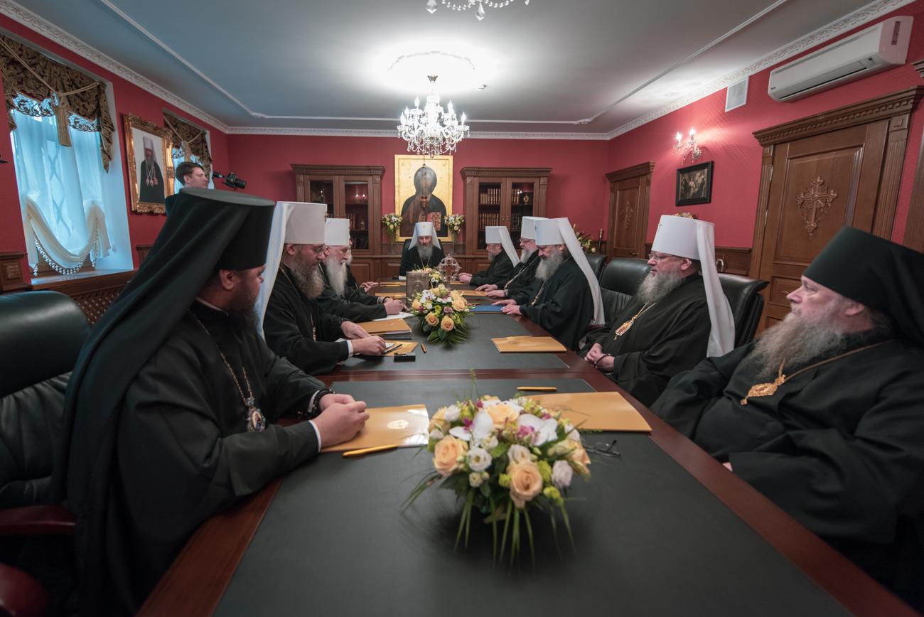 Священный синод УПЦ: «Решения «объединительного собора» для УПЦ будут недействительными» (07.12.18)
