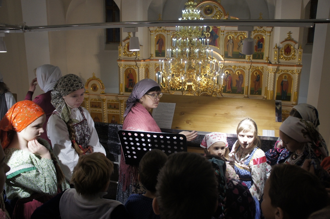 #РусскоеПолеФотоДня Праздничная служба в Никольском кафедральном соборе Искитима (16.12.18)