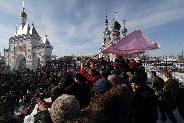 #РусскоеПолеФотоДня Приходской праздник масленицы.